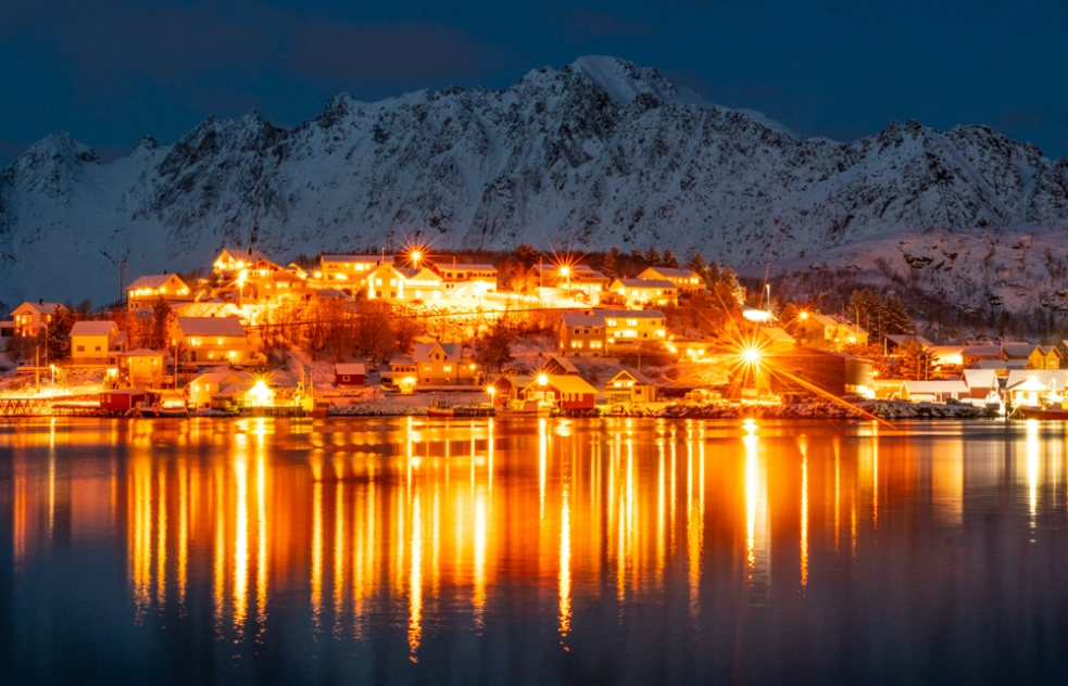 Reine at Night